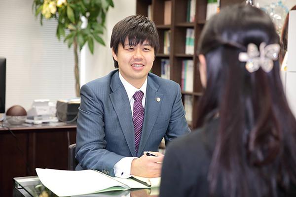武田_弁護士仕事風景