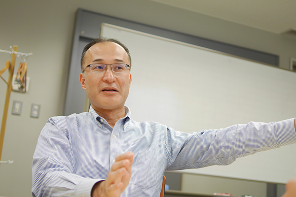 浅川インタビュー2